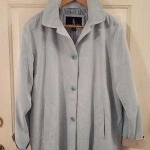 London Fog Ladies medium raincoat